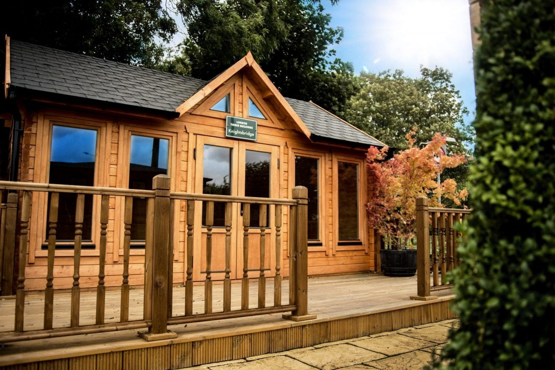 Log Cabin Knightsbridge Range KNI011