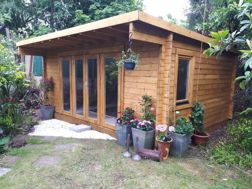 Pimlico log cabin